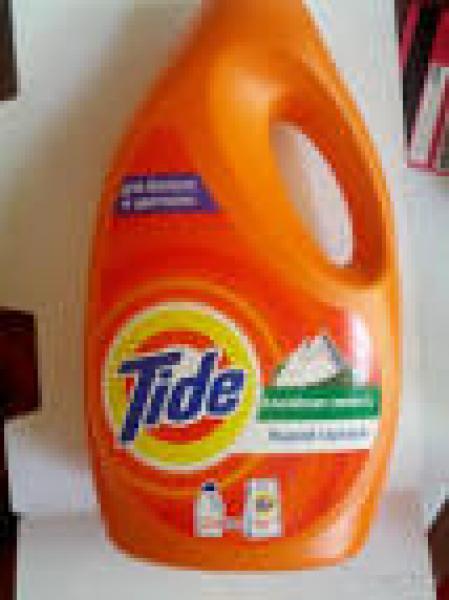 Жидкий порошок для стирки белого и цветного белья Tide